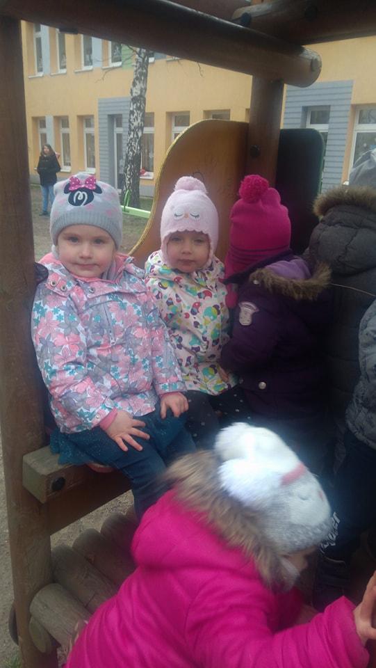 Zabawy porą zimową w ogrodzie przedszkolnym