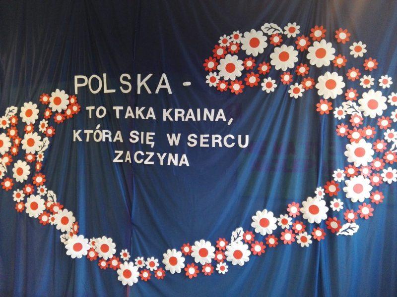 """Dzień patriotyczny """"Polska to taka kraina…"""""""
