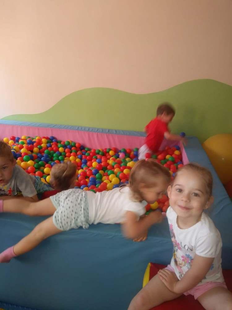 Zabawa w sali gimnastycznej