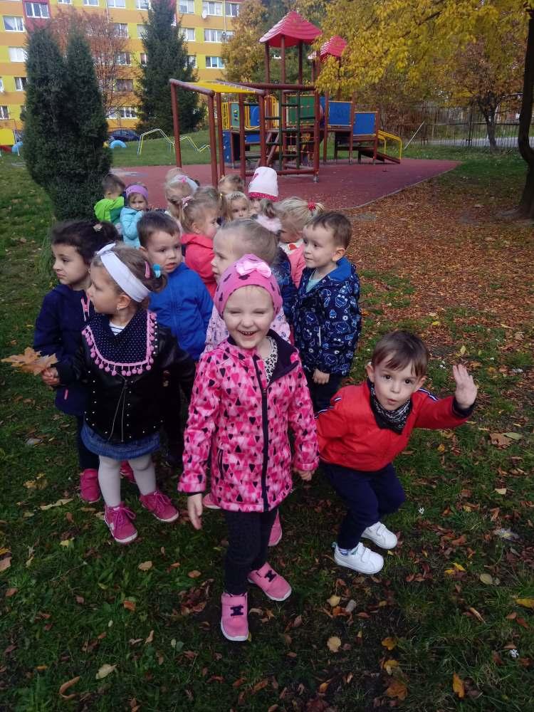 Nasze pierwsze zabawy w ogrodzie przedszkolnym.
