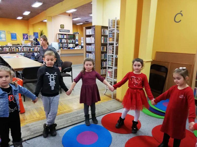 Walentynki w Miejskiej Bibliotece Publicznej w Jaworze.