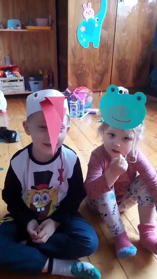 """""""Bociany i żaby""""- zabawy"""
